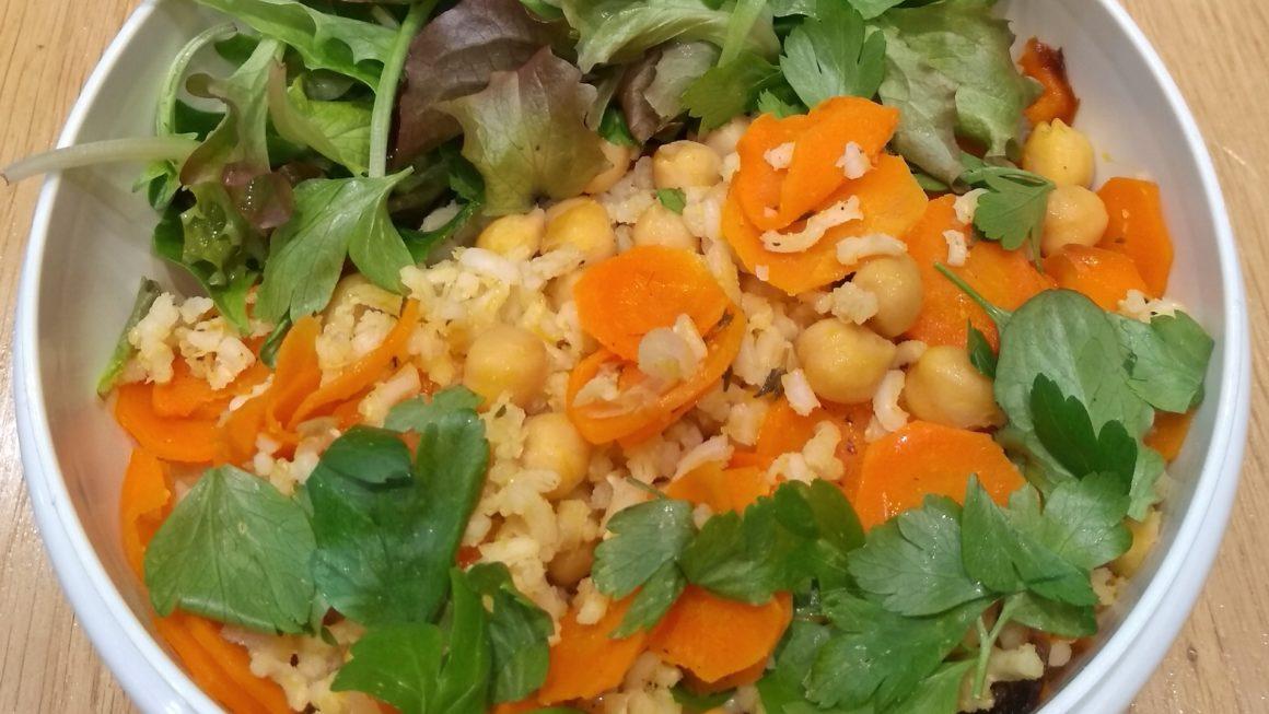 Kichererbsen mit Möhren und Reis