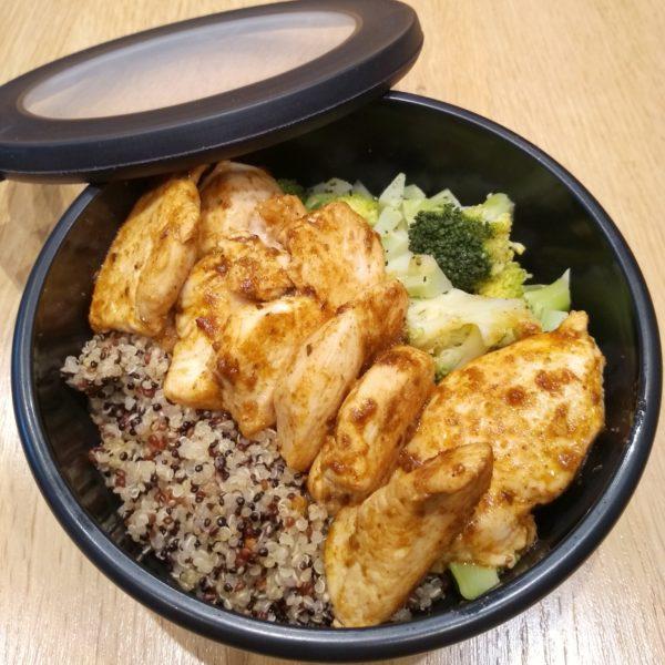 Quinoa mit Hähnchenfilet und Brokkoli